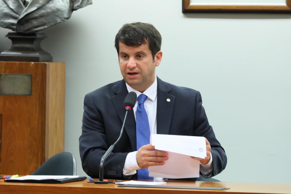 COMISSÃO EXTERNA CONVIDA MINISTRO DA SAÚDE PARA APRESENTAR ESTRATÉGIA PARA A PANDEMIA