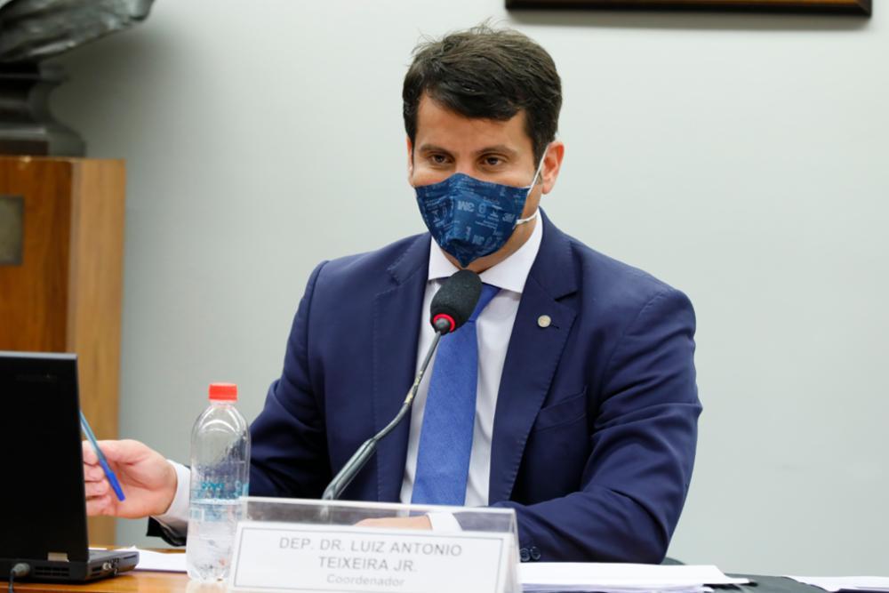 Deputados do PP e do PSB são os que mais aprovaram projetos de lei durante a pandemia
