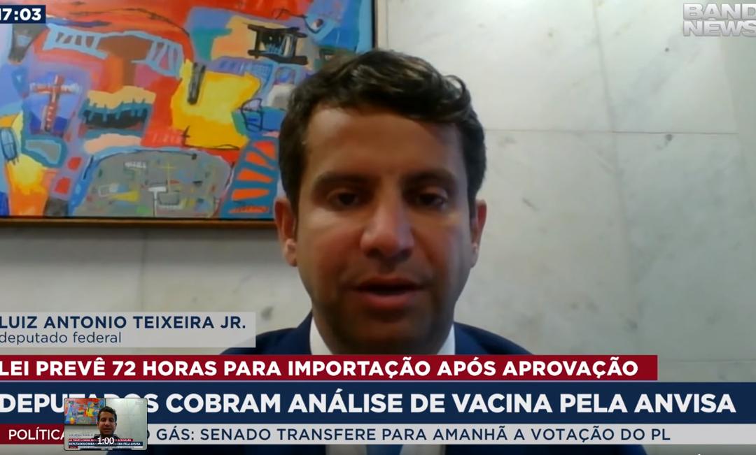 Deputados cobram análise de vacina pela Anvisa